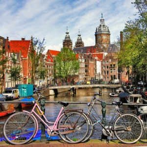 Amsterdam, canals and bikes