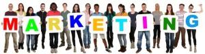 Gruppe junge Leute People multikulturell halten Wort Marketing